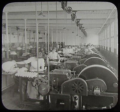 Glass Magic Lantern Slide WOMEN IN COTTON FACTORY MANCHESTER C1910 PHOTO USA