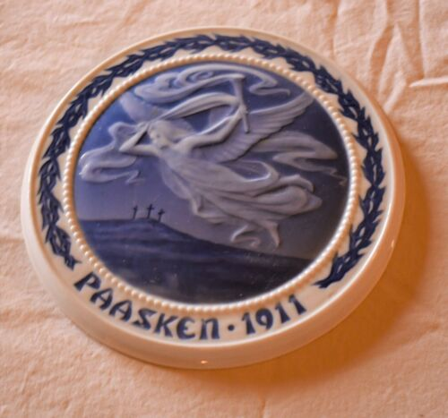 1911 Bing & Grondahl Danish Easter Paasken Plaque Plate Blue Angel and Crosses