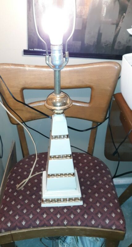 UNIQUE MCM VINTAGE ART DECO PYRAMID STEPPED WORKING WHITE/GOLD  TABLE LAMP