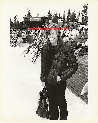 Orig Photo Kristy McNichol Family & Empty Nest Star # 3 Ski Slopes