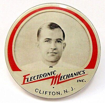 WWII 1940's ELECTRONIC MECHANICS Clifton NJ employee badge pinback Home Front +