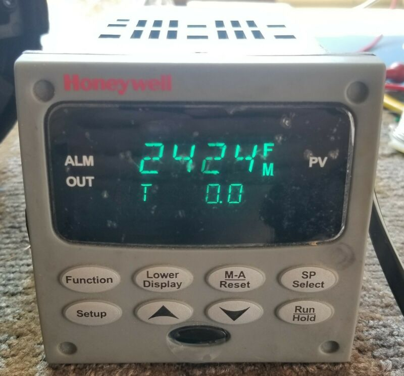 HONEYWELL DC2500-CE-0A00-200-00000-00-0, CONTROLLER, FREE SHIPPING.