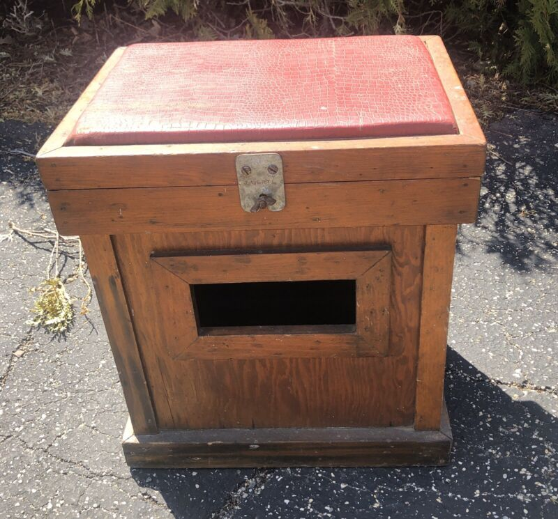 Vintage Wood Foot Stool/Bench Ice Fishing Primative