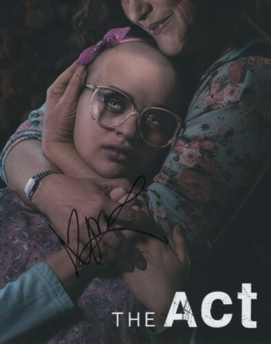 Joey King The Act Autographed Signed 8x10 Photo COA 2019-1