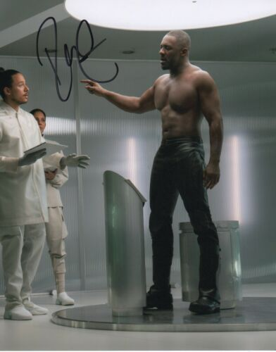Idris Elba Hobbs and Shaw Autographed Signed 8x10 Photo COA 2019-1