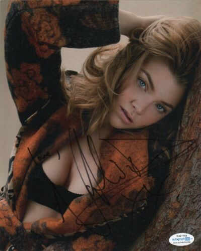 Natalie Dormer Sexy Autographed Signed 8x10 Photo ACOA #16