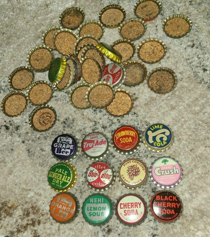 100 CORK LINED VINTAGE SODA BOTTLE CAPS 12 DIFFERENT TYPES