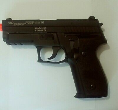 KJW green gas blowback P229 KP-02 full metal airsoft pistol with 2 magazines