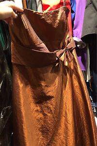Robe cuivrée grandeur 10