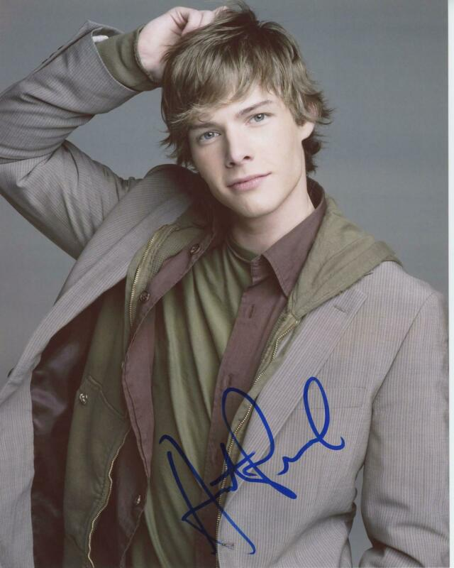 "Hunter Parrish ""Weeds"" AUTOGRAPH Signed 8x10 Photo"