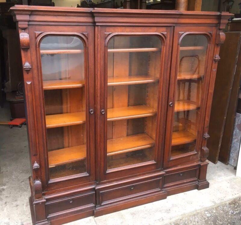 VICTORIAN WALNUT 3 DOOR BOOKCASE