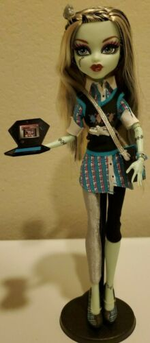 Monster High Frankie Stein 2nd Wave Schools Out Doll