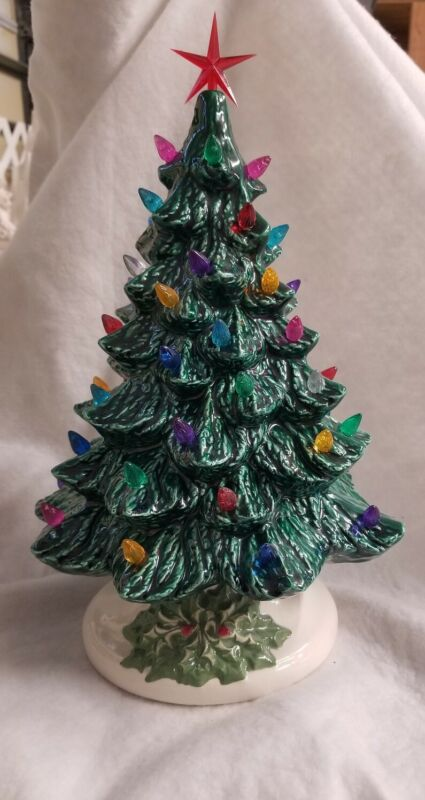 Ceramic Christmas Vintage Mold  New GREEN TREE HOLLY BASE  MADE IN THE USA