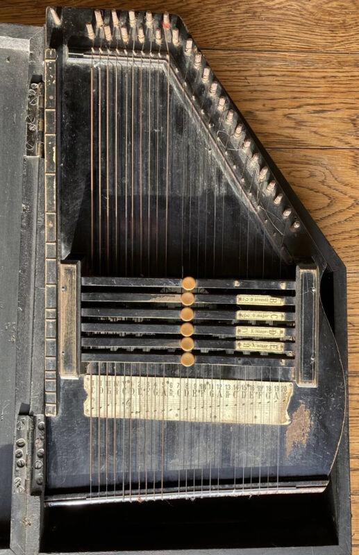 Troubadour Harfe AUTOHARP IN ORIGINAL BOX. 12 BAR ZITHER MUSICAL INSTRUMENT