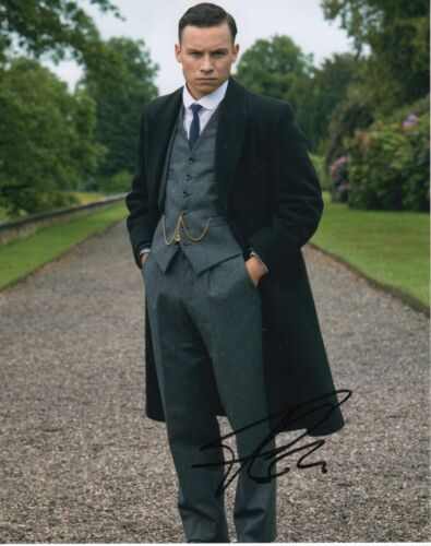 Finn Cole Peaky Blinders Autographed Signed 8x10 Photo COA 2019-3