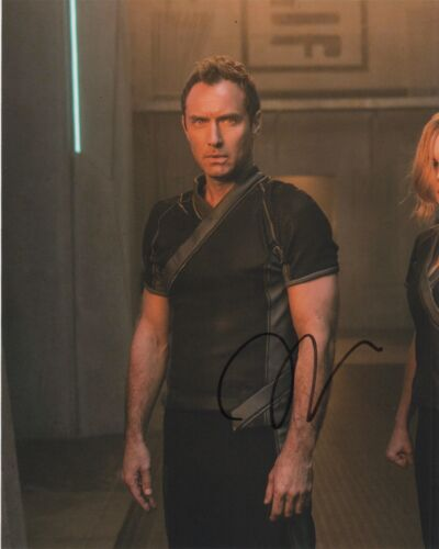 Jude Law Captain Marvel Autographed Signed 8x10 Photo COA CA32