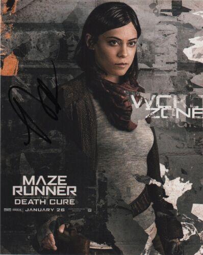 Rosa Salazar Maze Runner Autographed Signed 8x10 Photo COA #J6