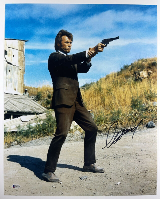 CLINT EASTWOOD SIGNED DIRTY HARRY 16x20 PHOTO AUTHENTIC BECKETT BAS LOA #A67451