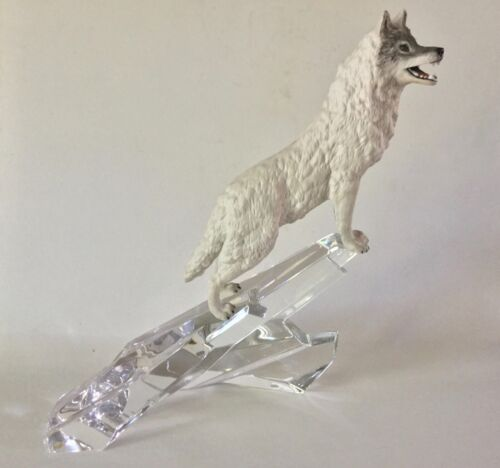 Franklin Mint Porcelain WOLF on German CRYSTAL Rocks 1988 Cry of the North