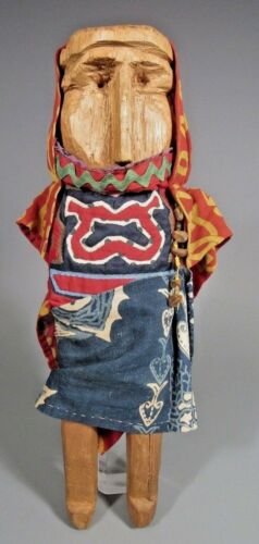 Panama Kuna People carved wood Doll ca. 20th c. Ex. Newark Museum Coll.