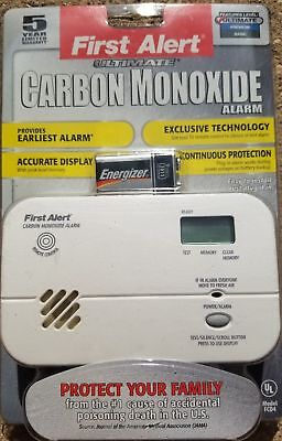 FIRST ALERT CARBON MONOXIDE ALARM ~ MODEL FCD4 - Best on market. battery back (Best Home Smoke Detectors)