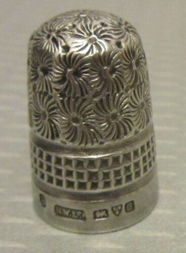 antique English STERLING SILVER THIMBLE  8 Chester 1902 hallmarks H.W.Ltd