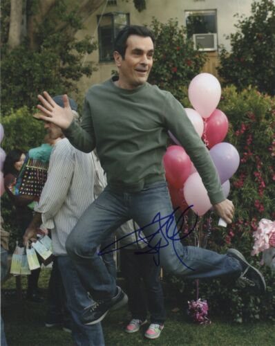 Ty Burrell Modern Family Autographed Signed 8x10 Photo COA MR033