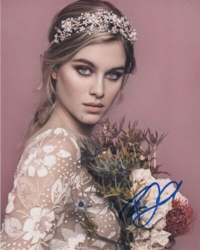 Tiera Skovbye OUAT Autographed Signed 8x10 Photo COA #C46
