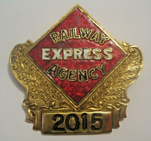 RARE VINTAGE RAILWAY EXPRESS AGENCY RAILROAD EMPLOYEE V.I.P. LOW NUMBERED BADGE