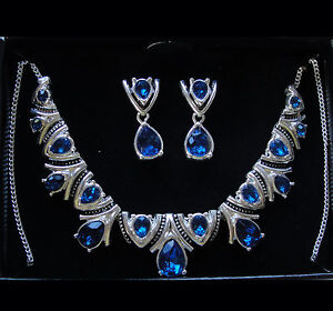 Avon Blue Deco Collection Necklace and Earring Gift Set