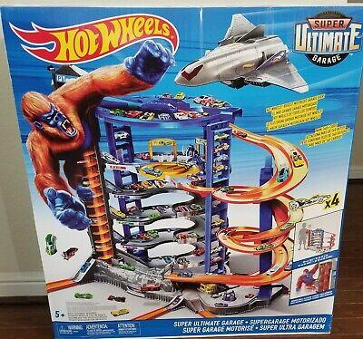 Hot Wheels SUPER ULTIMATE GARAGE Playset Toy Mega Car Vehicle -  NEW !!!