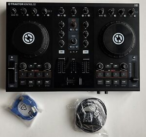 Traktor Kontrol S2 All Cables and Software included