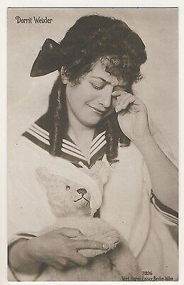 Actress DORRIT WEIXLER & TEDDY BEAR TEDDYBÄR Schauspielerin * Vintage 10s RPPC