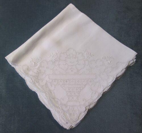 Antique 6 Linen Napkins Beautiful Punchwork Design & Embroidered Flowers