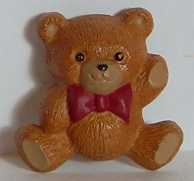 VINTAGE TEDDY BEAR HALLMARK BROOCH PIN SIGNED PLASTIC CHRISTMAS