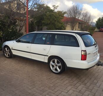 VX Commodore Wagon 2002 Canning Vale Canning Area Preview