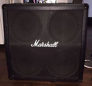 Marshall guitar  cabinet 4x12 good condition
