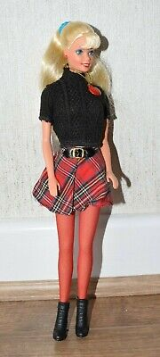 Vintage 90s Mattel Barbie doll - SCHOOL SPIRIT - 1995 - tartan skirt