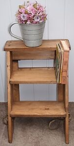 VINTAGE STYLE WOODEN STEPS LADDER /PLANT STAND/KITCHEN/DISPLAY