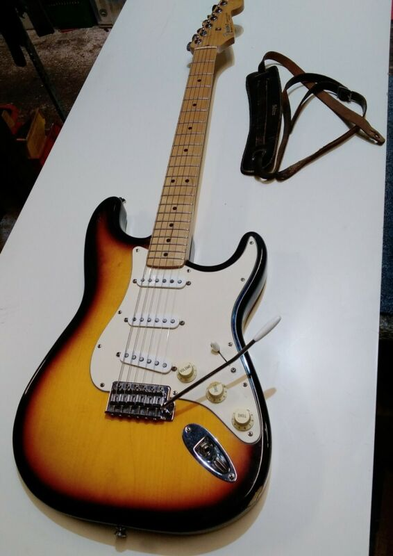 Vintage MIM Made in Mexico Fender Stratocaster Guitar year 1994/1995 I think