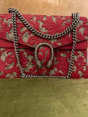 dionysus arabesque bag is a stylish bag with luxurious details