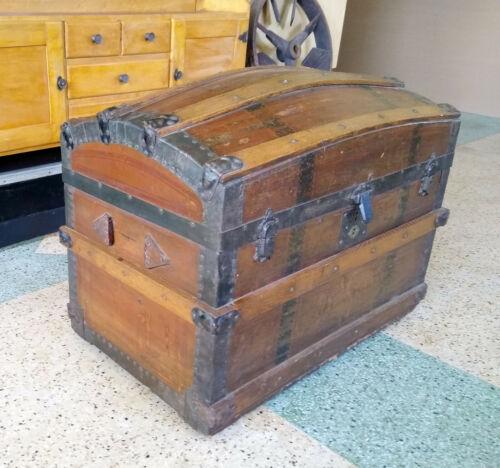 NICE Antique Oak Camelback Steamer Trunk, Original Covered Tray & Pocket Inside