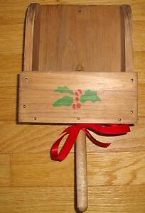 Country-Rustic-GRAIN-SCOOP-Christmas-Card-Holder-Wooden-Wood-Wall-Pocket