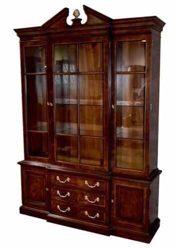 Vintage Henredon One Piece Inlaid Federal Style China Cabinet w/Brass Finial