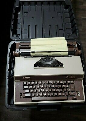 Mint Vintage Royal Academy Typewriter with Carry Case GREAT WORKING CONDITION