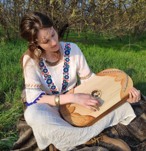 Hungarian therapeutic harp