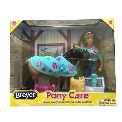 AKTION Breyer Classics Pony mit Pflegeset und Puppe