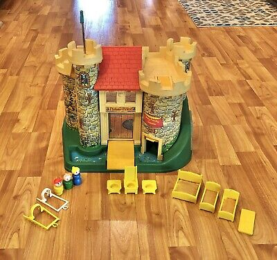 Vintage Fisher Price Little People Play Family Castle #993 1974 With Accessories