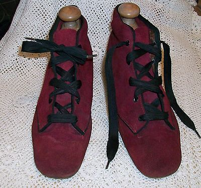 Vintage 1960s Burgundy & Black Suede Women's MOD Ankle Shoes 6-6.5 Mary Quant