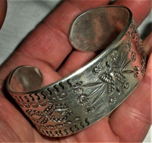 ANTIQUE c.1920 NAVAJO CLASSIC STAMPED INGOT COIN SILVER CUFF BRACELET vafo